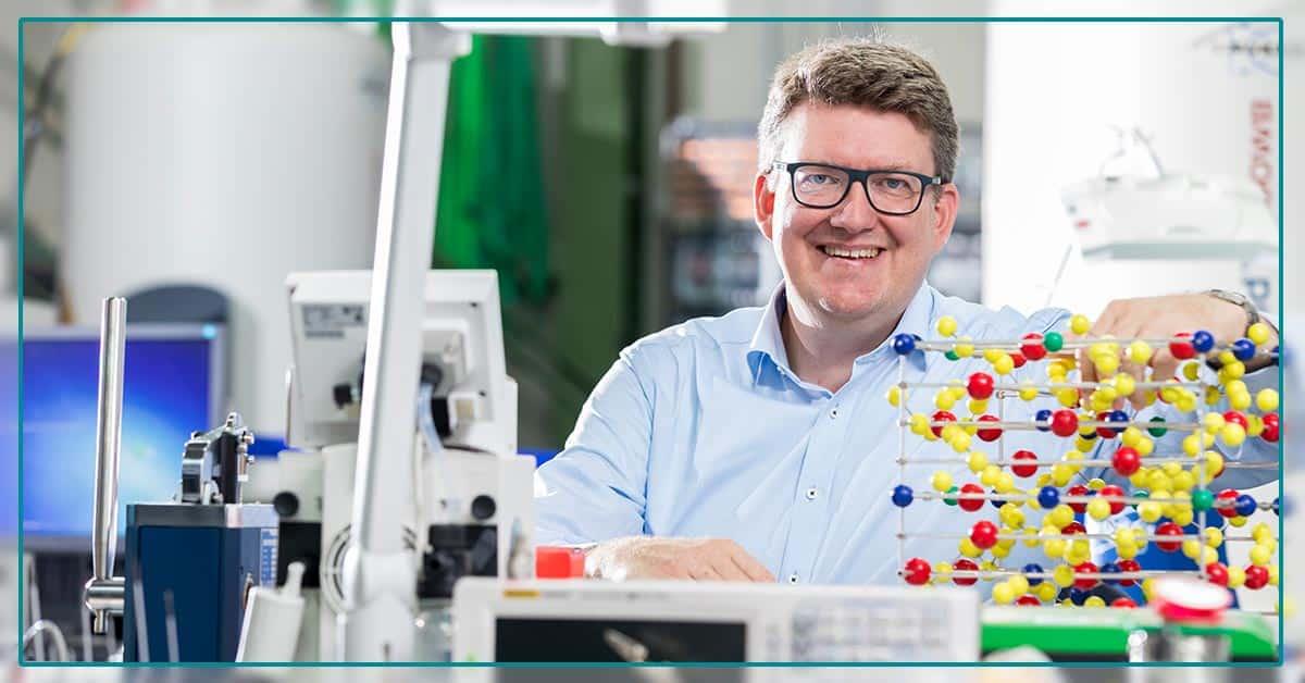 Forscher entwickeln schnellladefähige Festkörperbatterie - umschalten.de